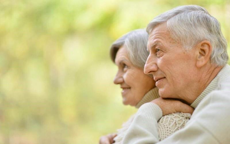 ¿Cómo cuidar la piel en la tercera edad?